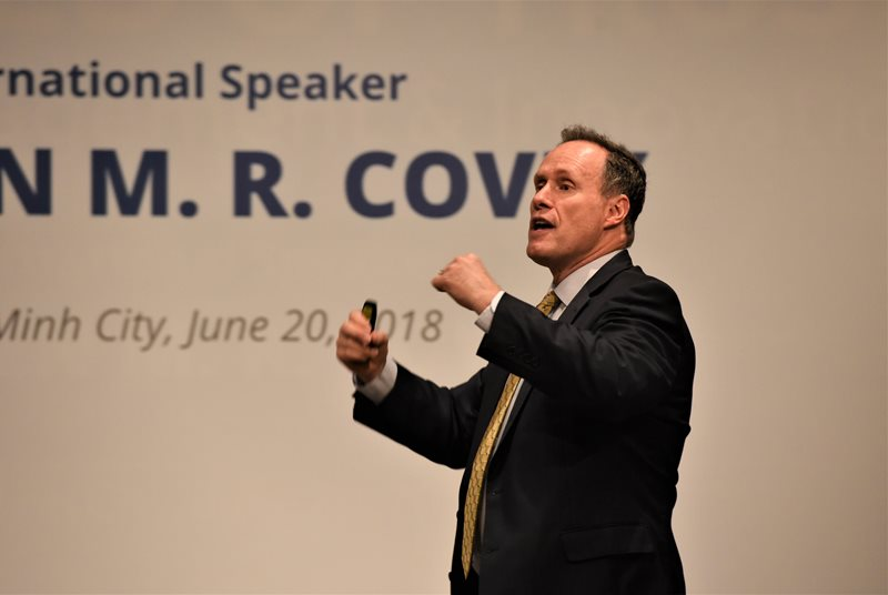 Stephen_MR_Covey_the_speed_of_trust_Franklincoveya1.jpg